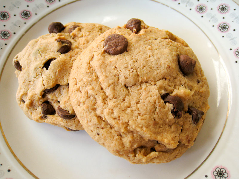 Description Vegan chocolate chip cookies on dish with floral designs ...