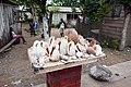 Vente de coquillages à Micoló (São Tomé).jpg