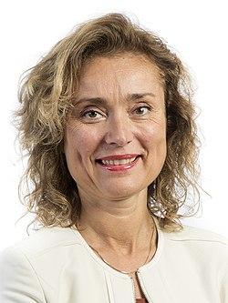 Vera-Bergkamp (cropped).jpg