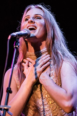 Vera Blue - Vera Blue performing in 2017