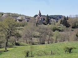 Vergheas (Puy-de-Dôme) vue sur le village (02).JPG