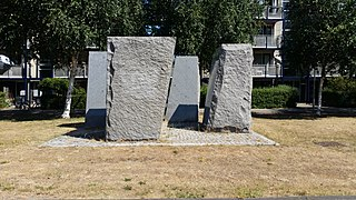 Vier vormen in graniet