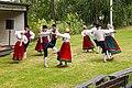Viljandi folkdanslag på Hedemora gammelgård 2014 02.jpg
