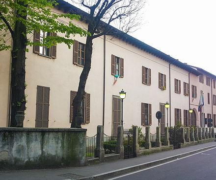 Facciata esterna della villa puricelli guerra for Villa puricelli