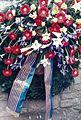 Visit by U.S. President Ronald Reagan to Bitburg military cemetery 1985, wreath -0002.jpg
