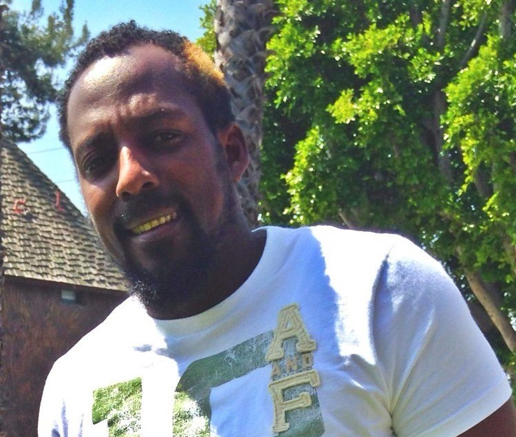Vladimir Guerrero playing catch 2014 (cropped)
