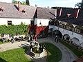 Waldenfels - Schlosshof 3.jpg