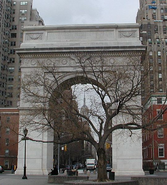 Archivo:Washington Square - Triumphal arch.jpg