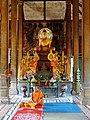 Wat Kampong Tralach Leu Vihara 19.jpg