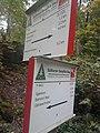 Wegweiser zwischen Hohnstein und Neustadt (SDS 70, SDS 71).jpg