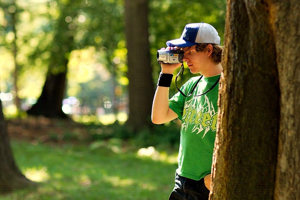 WikiNYC-picnic-mystery-videographer