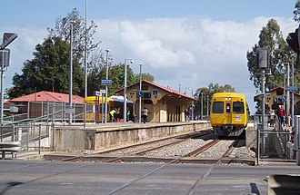 Woodville railway station, Adelaide - Northbound view in October 2005