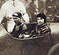 Yves Giraud-Cabantous vainqueur du Championnat automobile des Aviateurs, en juin 1929 (et madame).jpg