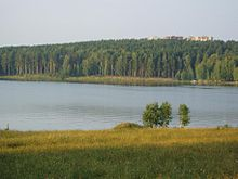 Zaretsjny view over lake.jpg