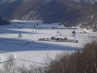 Zărnești - Image: Zarnesti Valley
