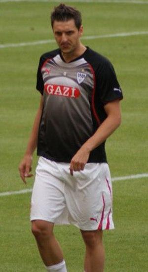 Zdravko Kuzmanović - Zdravko Kuzmanović warming up during training