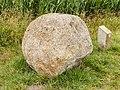 """Zwerfkei (Smâlandgraniet), bij de uitzichttoren """"Seedyk Kiekje"""", Liemerige Wei, Oudemirdum. 10-06-2020 (actm.) 01.jpg"""