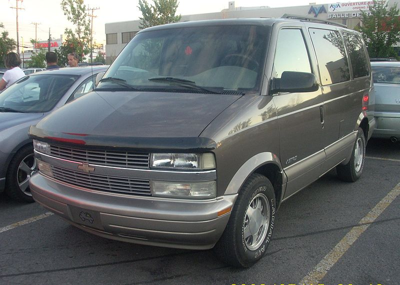 File:'95-'98 Chevrolet Astro (Orange Julep).JPG