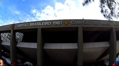Sede Social da Ilha do Retiro em frente à Avenida Sport Club do Recife. 5692eb7d0e0f1