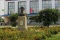 Пам'ятник C.І.Радченку перед Будинком торгівли.jpg