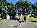 """Пам'ятник загиблим у концтаборі смерті """"Хорольська яма"""" 02.jpg"""