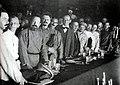 Троцкий на II конгрессе Коминтерна 1920.jpg