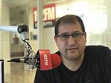 מיכאל ספרד באולפן רדיו תל אביב.jpg
