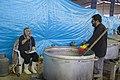 احمد ناطقی از عکاسان بنام ایران در آشپزخانه مرکزی مهران در حال مستند نگاری 06.jpg