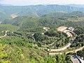 绝壁栈道上看十八盘道 - panoramio.jpg