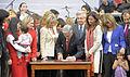 06-10-2011 Promulgación Ley que extiende el Posnatal (6335492862).jpg