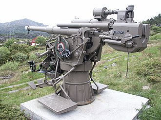 10.5 cm SK C/32 naval gun - 105 mm SK C/32 on display at Fjell Fortress, Norway