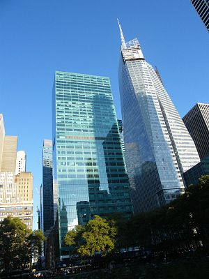 1095 Avenue of the Americas - 1095 Avenue of the Americas (left) and Bank of America Tower (right) viewed from Bryant Park