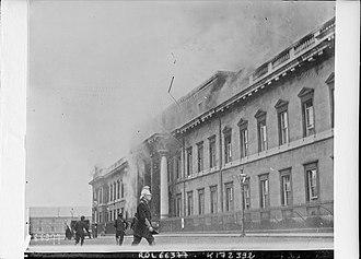 Burning of the Custom House - The Custom House in flames