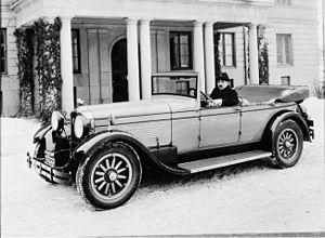 Stutz Motor Company - 1927 Stutz Vertical Eight AA touring car