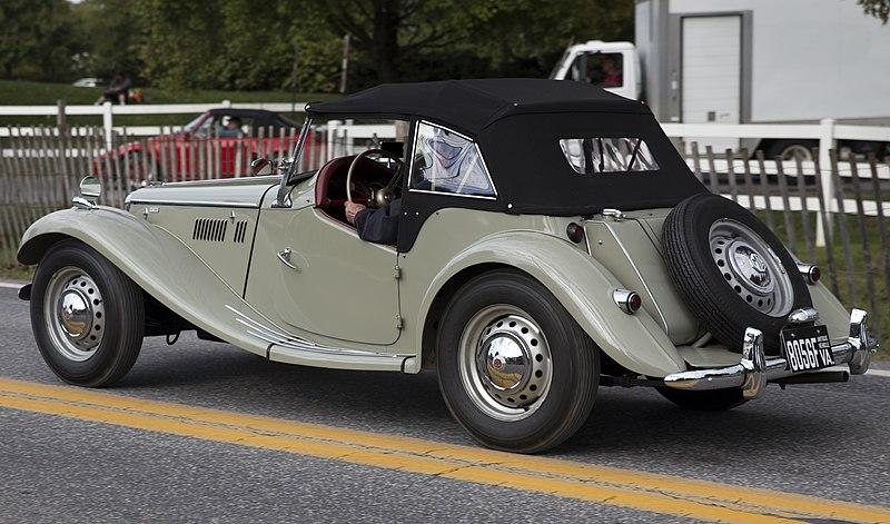 File:1955 MG TF 1500, rear left (Hershey 2019).jpg