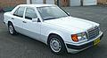 1990-1993 Mercedes-Benz 230 E (W124) sedan 01.jpg