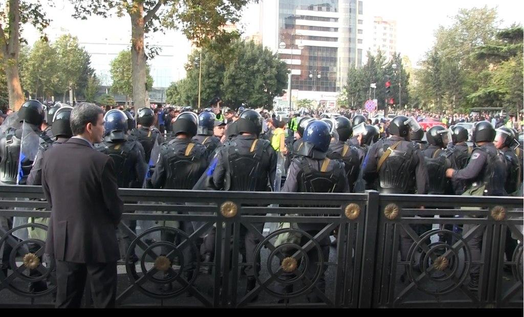 Gli arresti dei civili a Baku: quello che ancora non è stato detto