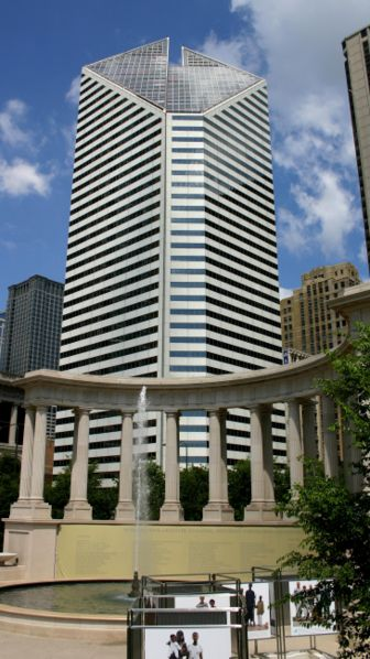 File:2004-07-14 1460x2600 chicago stone building.jpg