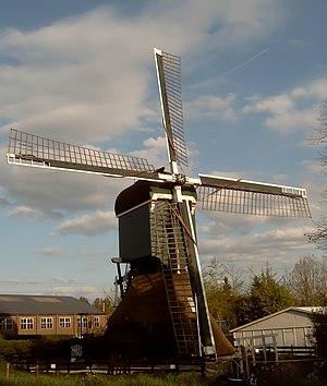 Breukelen - Image: 2007 04 18 18.33 Breukelen, molen foto 2