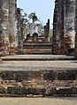 201312131303a HL ps Sukothai, Wat Mahathat.jpg