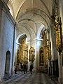 300 Catedral de San Salvador (Oviedo), deambulatori, des del transsepte sud.jpg