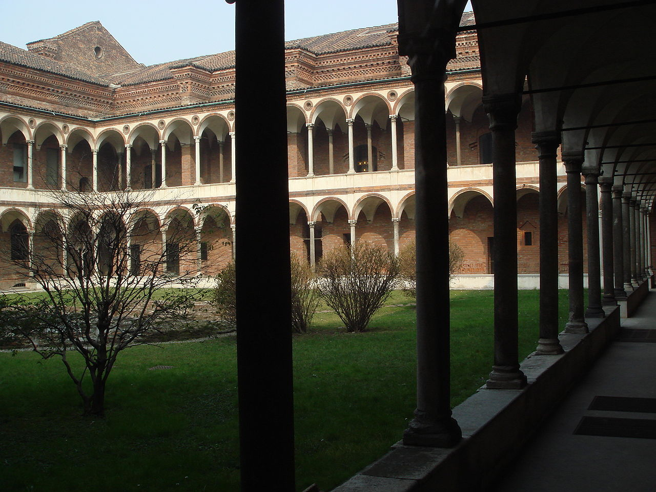 Datei 7010 milano universit statale chiostro dei for Universita milano