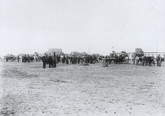 Trelew - Image: A train of ox drawn carts leaving Trelew, Patagonia