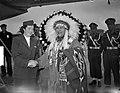 Aankomst Indianenopperhoofd Ozenonton (Schiphol), Bestanddeelnr 903-3691.jpg