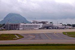 纳姆迪·阿齐基韦国际机场