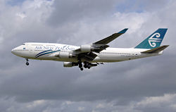 Air New Zealand 747-400 sideview.jpg