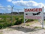 Airport Danger Jet Blast Sign (6543945505).jpg