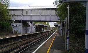 Albany Park railway station - Image: Albany Park Train Station platform