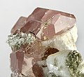 Albite-Strontiumapatite-t07-104b.jpg