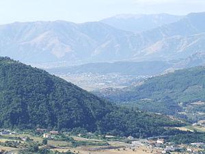 Vallo di Diano - Image: Alburni e Vallo di Diano visti da Caggiano 04